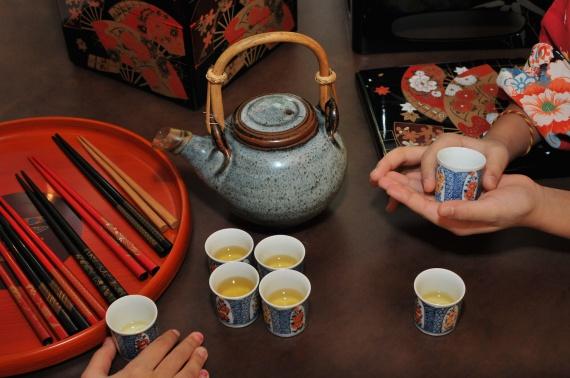 Отосо - традиционный напиток употребляемый во время празднования нового года в Япониии.