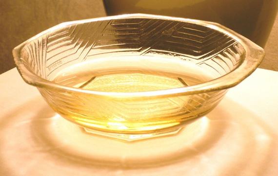 Мирин - сладкое рисовое вино, используется в японской кухне в основном как приправа