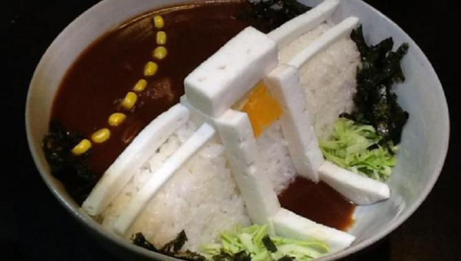 """Новая сервировка блюда - """"Дам Карри  риса"""" - выглядит как плотина!"""