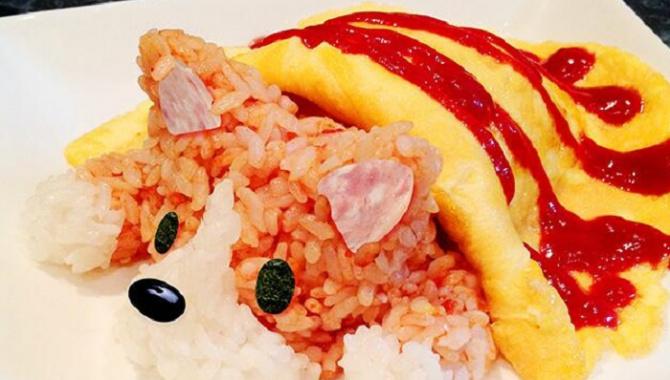 Милая рисовая собачка для детей в японском ресторане!