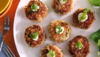 Крабовые котлетки со сладким горчичным соусом - пошаговый рецепт