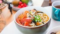 Удон с креветками и помидорами - пошаговый рецепт