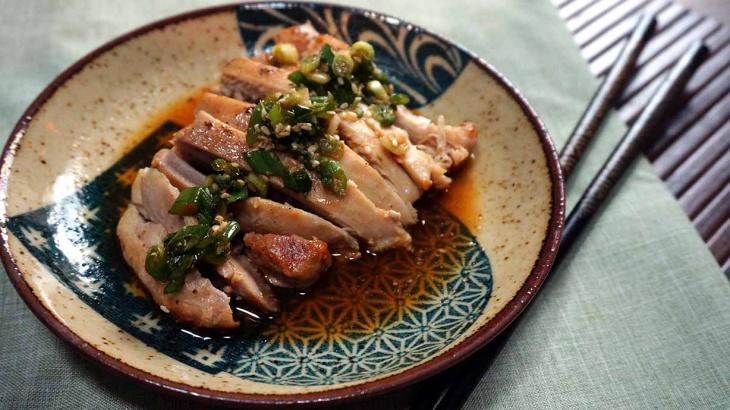 Курица, тушеная в саке с лимонным соусом - Рецепт