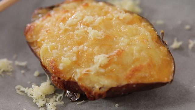 Запечённый сладкий картофель с медом и сыром - Видео-рецепт