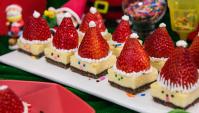 Чизкейки с рождественскими шапками - пошаговый рецепт