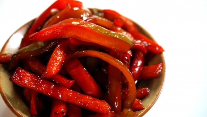 Кинпира с красным перцем - Рецепт