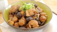 Тушеная курица с грибами и каштанами - пошаговый рецепт