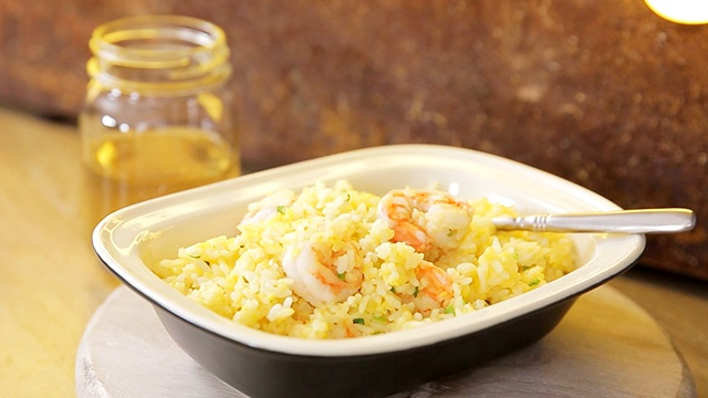 Жареный рис с яйцом - пошаговый рецепт