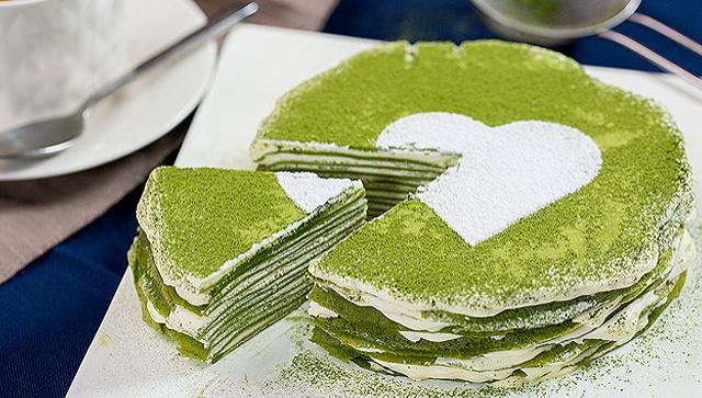 Блинный торт с зеленым чаем матча - пошаговый рецепт