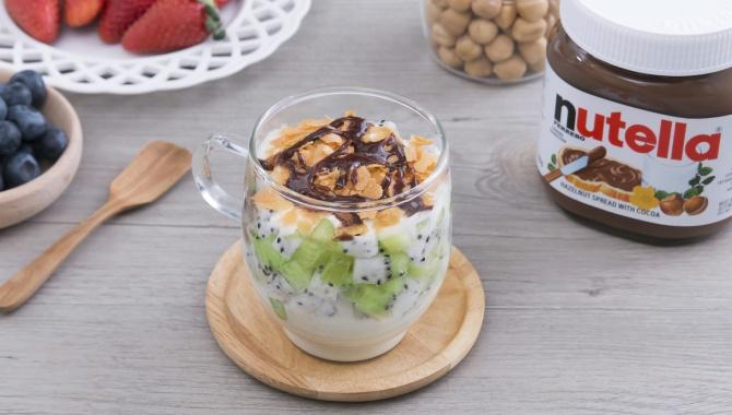 Фруктовый йогурт с нутеллой - пошаговый рецепт