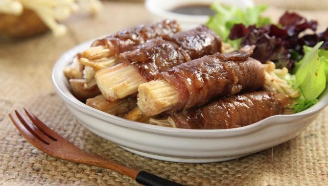 Рулетики из говядины с грибами эноки - пошаговый рецепт