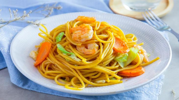 Спагетти с креветками, капустой и сио-кодзи - пошаговый рецепт