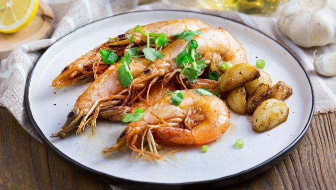 Жареные креветки с чесноком - пошаговый рецепт