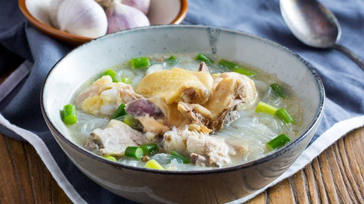Куриный суп с чесноком и стеклянной лапшой - пошаговый рецепт