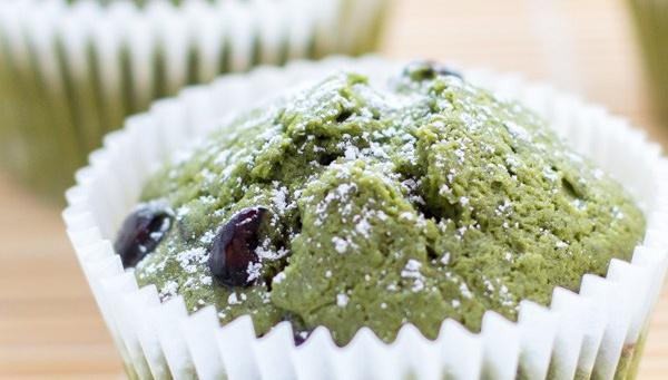 Маффины с зеленым чаем и бобами куромамэ