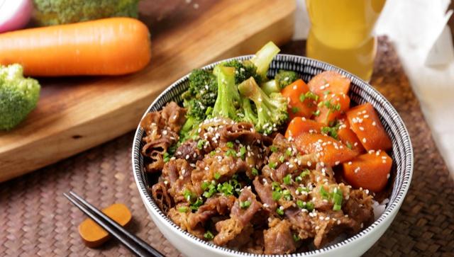 Говядина в мисо соусе с рисом - пошаговый рецепт