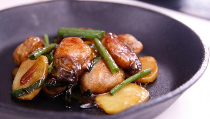 Жареные устрицы с имбирем и луком - пошаговый рецепт