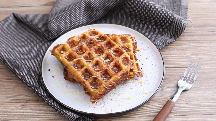 Картофельный пирог, приготовленный в вафельнице - Рецепт