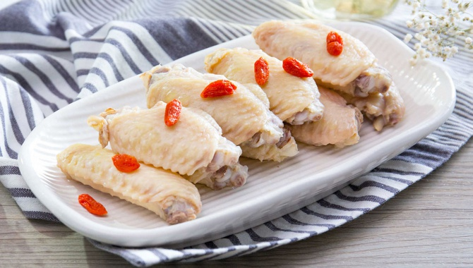 Куриные крылышки, маринованные в саке - пошаговый рецепт