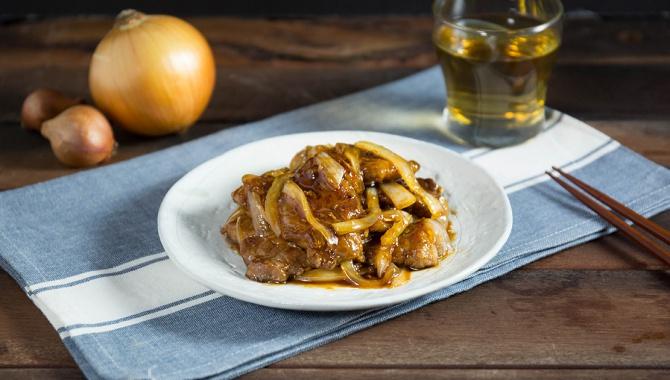 Кисло-сладкая свинина с луком - пошаговый рецепт