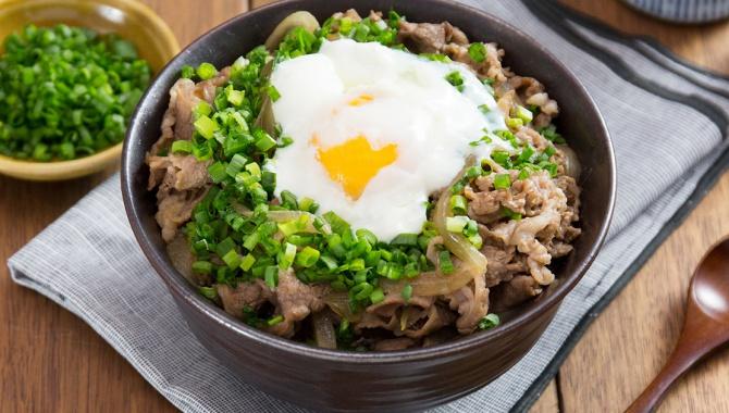 Миска риса с говядиной и Онсэн Тамаго - пошаговый рецепт