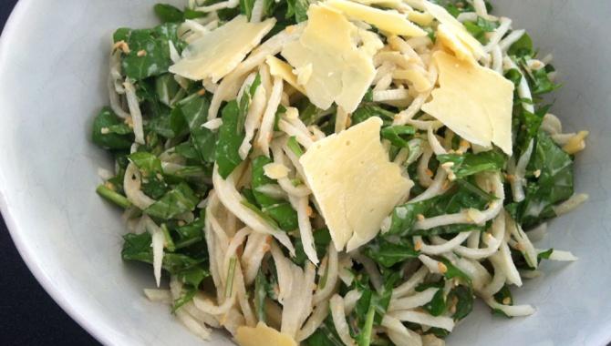Салат из дайкона и рукколы - Рецепт