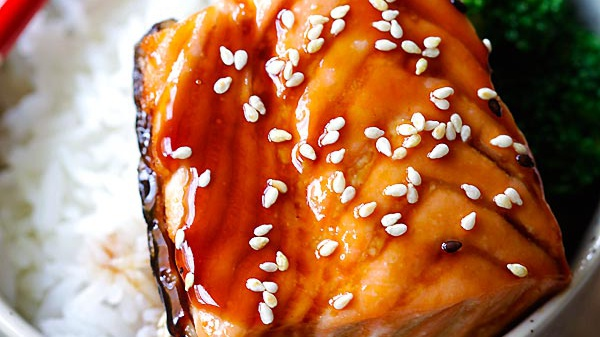 Жареный лосось в соусе терияки