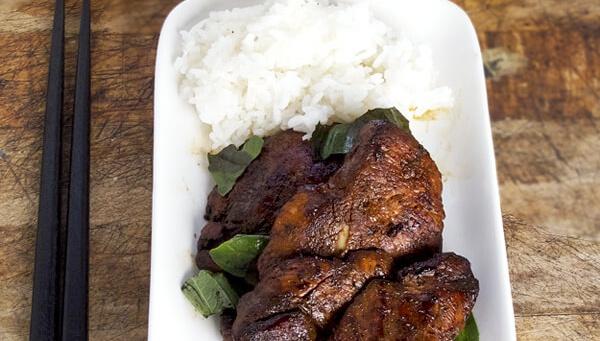 Жареная курица с соевым соусом и базиликом - Рецепт