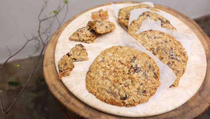 Печенье из овсяных хлопьев, имбиря и шоколада - пошаговый рецепт