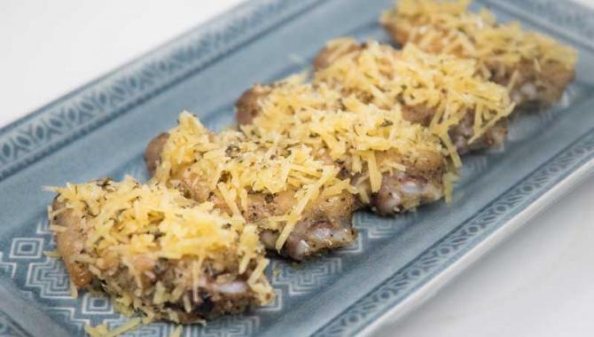 Куриные крылышки с сыром и чесноком - пошаговый рецепт