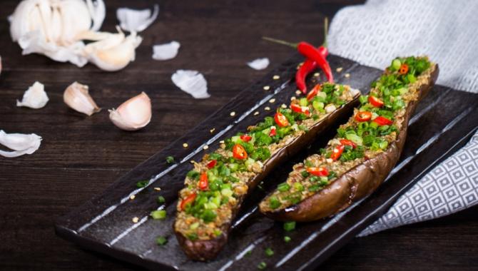 Запечённые баклажаны с чесноком и тмином - пошаговый рецепт