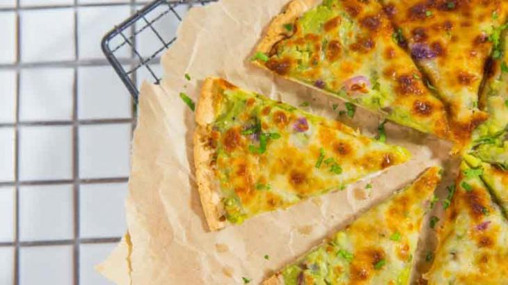 Тортилья с сыром и авокадо - пошаговый рецепт