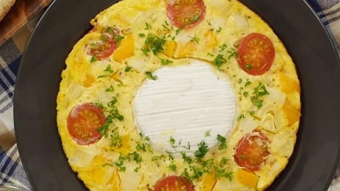 Необычный омлет с сыром