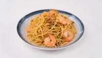 Жареная лапша с креветками и кедровыми орехами - пошаговый рецепт
