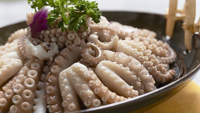 Пробовали на вкус живого осьминога? Саннакчи - экстремальное