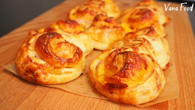 Синнабоны с беконом и сыром - Видео-рецепт