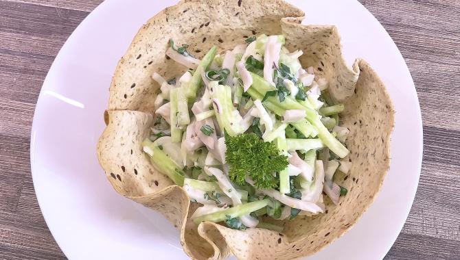 Салат с кальмарами без майонеза - Рецепт