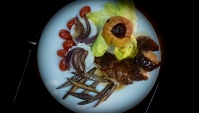 Утка с полынью, яблоки с брусникой - Видео-рецепт