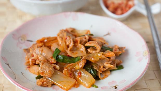 Жареная свинина с кимчи - пошаговый рецепт