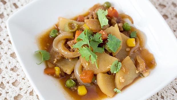 Картофель, жареный со свининой - пошаговый рецепт