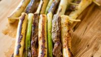 Шашлыки с говядиной и рисовыми лепёшками - пошаговый рецепт