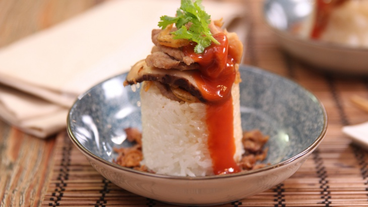 Рис, приготовленный со свининой в бамбуковой ёмкости - пошаговый рецепт