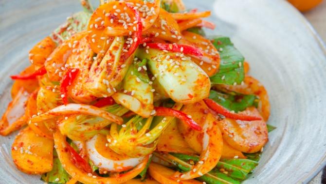 Кимчи салат с капустой бок-чой и хурмой - пошаговый рецепт