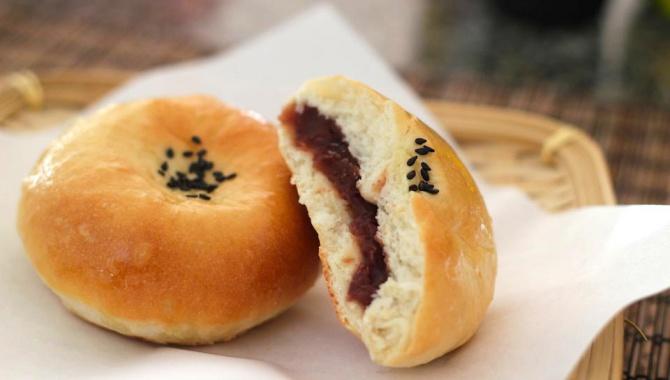 Анпан – сладкие булочки с пастой из красных бобов