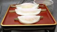 Ханабира Моти – мягкие рисовые лепёшки с палочкой гобо и начинкой из пасты мисо