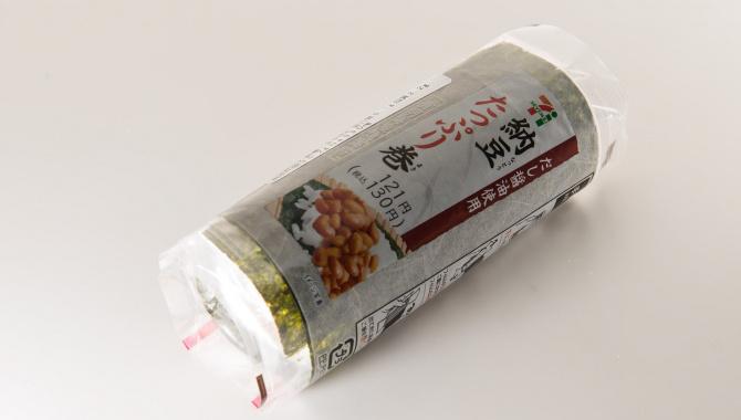 Быстрая еда в Японских магазинах -  ролл с натто
