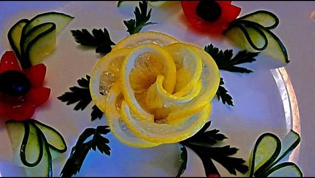 Украшение блюд - роза из лимона