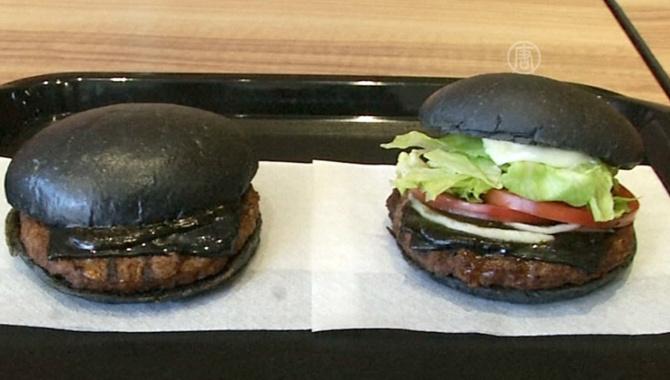 Чёрные гамбургеры выпустил японский Burger King