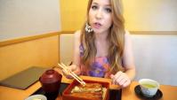 Блюдо из угря в День быка в Японии