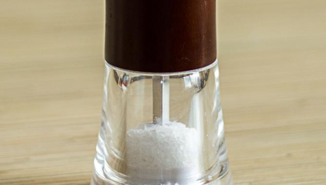 Как правильно солить и какую соль лучше использовать - Кухонные помощники